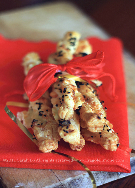 sfoglie parmigiano, raclette e nigella