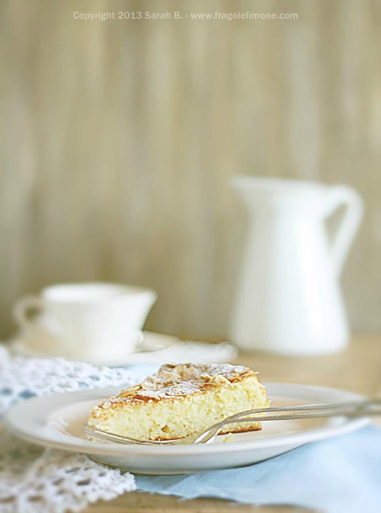Un dolce scioglievole al limone (e senza farina)