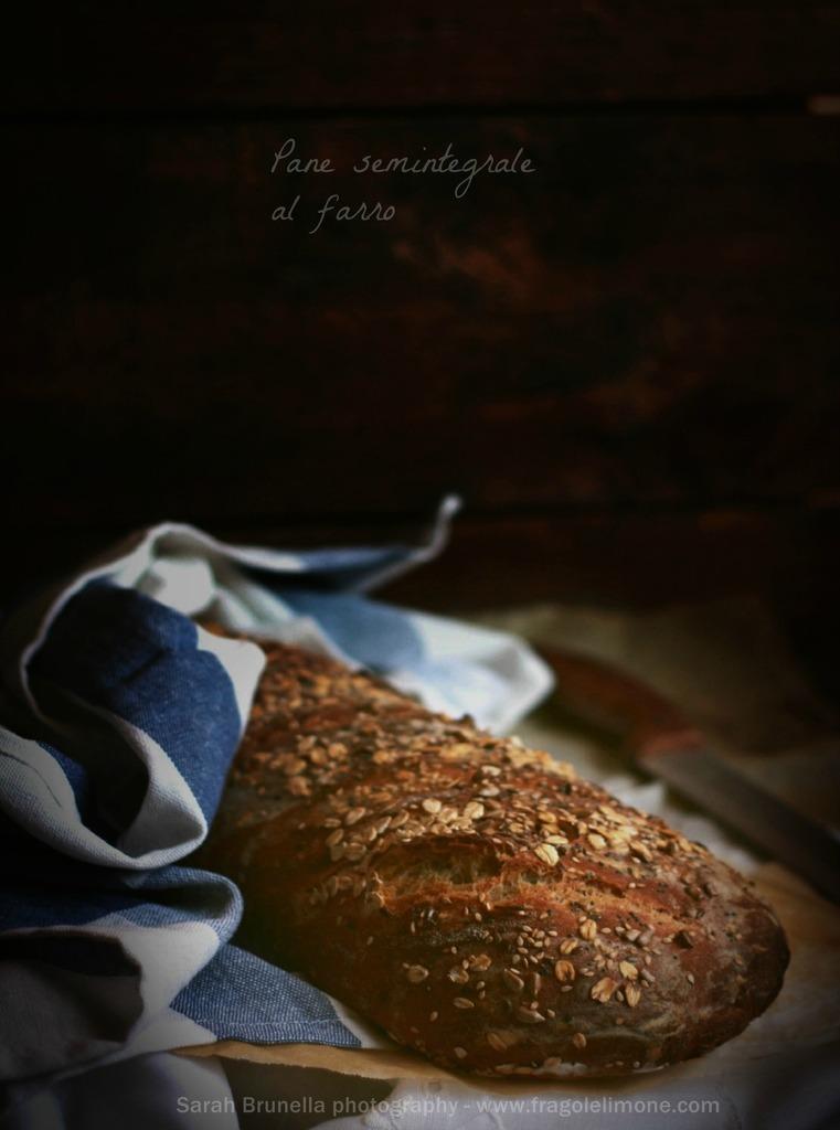 Pane semintegrale al farro (senza impastatrice)