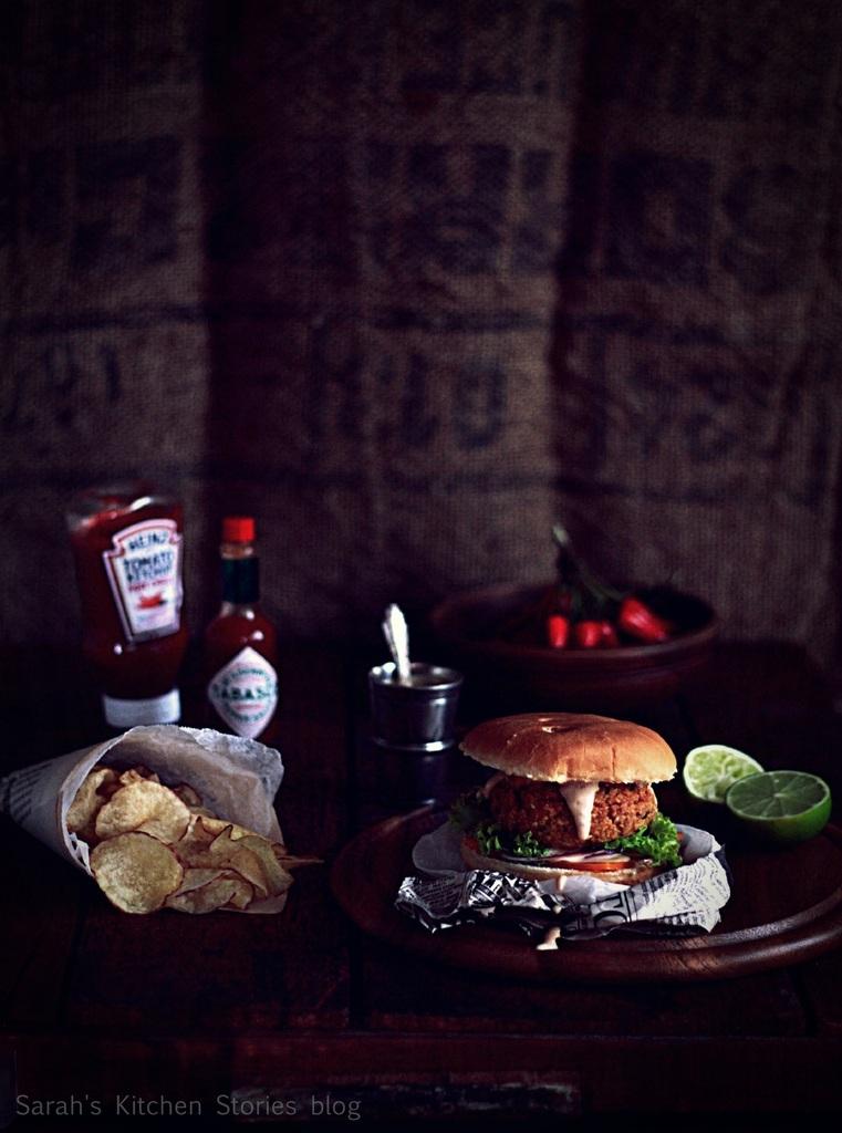 ob_c5e108_veggie-burger-di-ceci-con-salsa-4