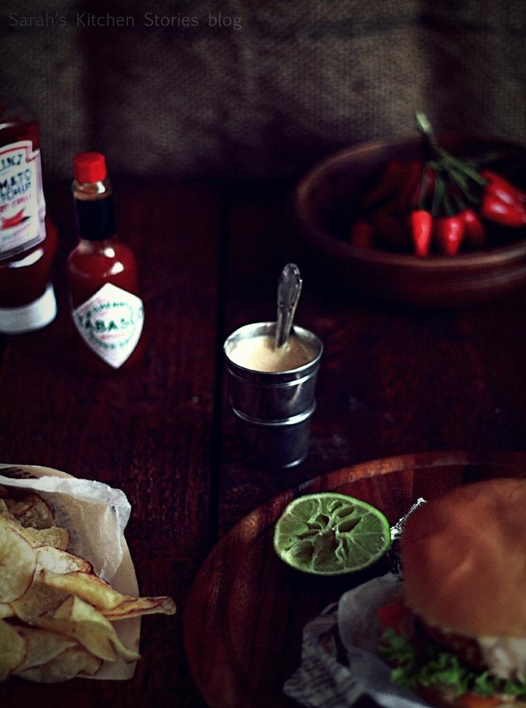 ob_fc78c9_veggie-burger-di-ceci-con-salsa-3
