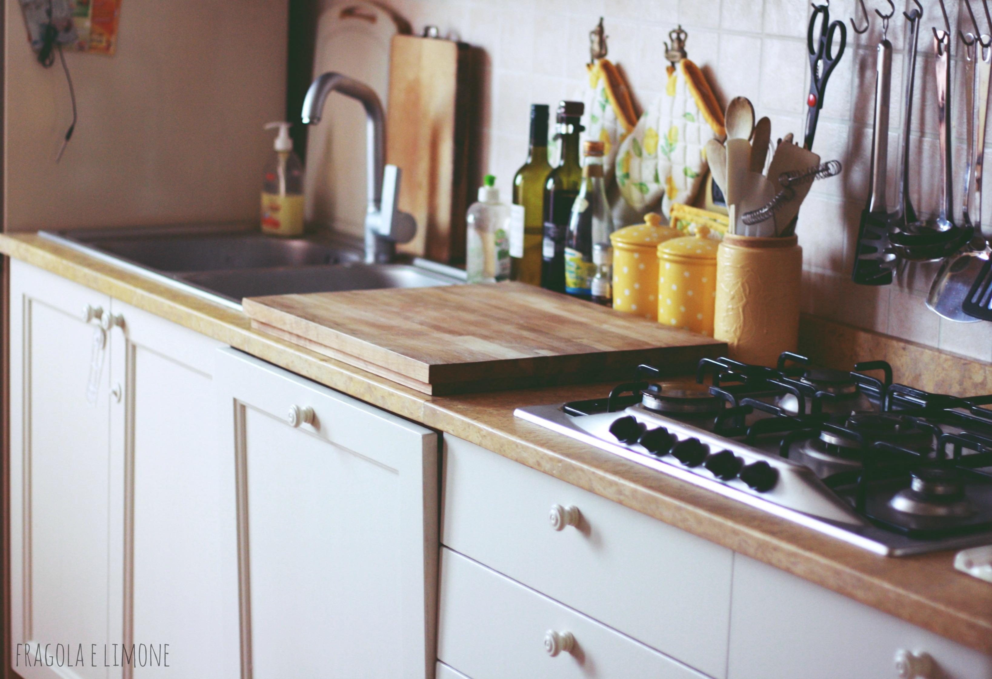 Favoloso verniciare pensili cucina da18 pineglen - Cucina 1000 euro ...