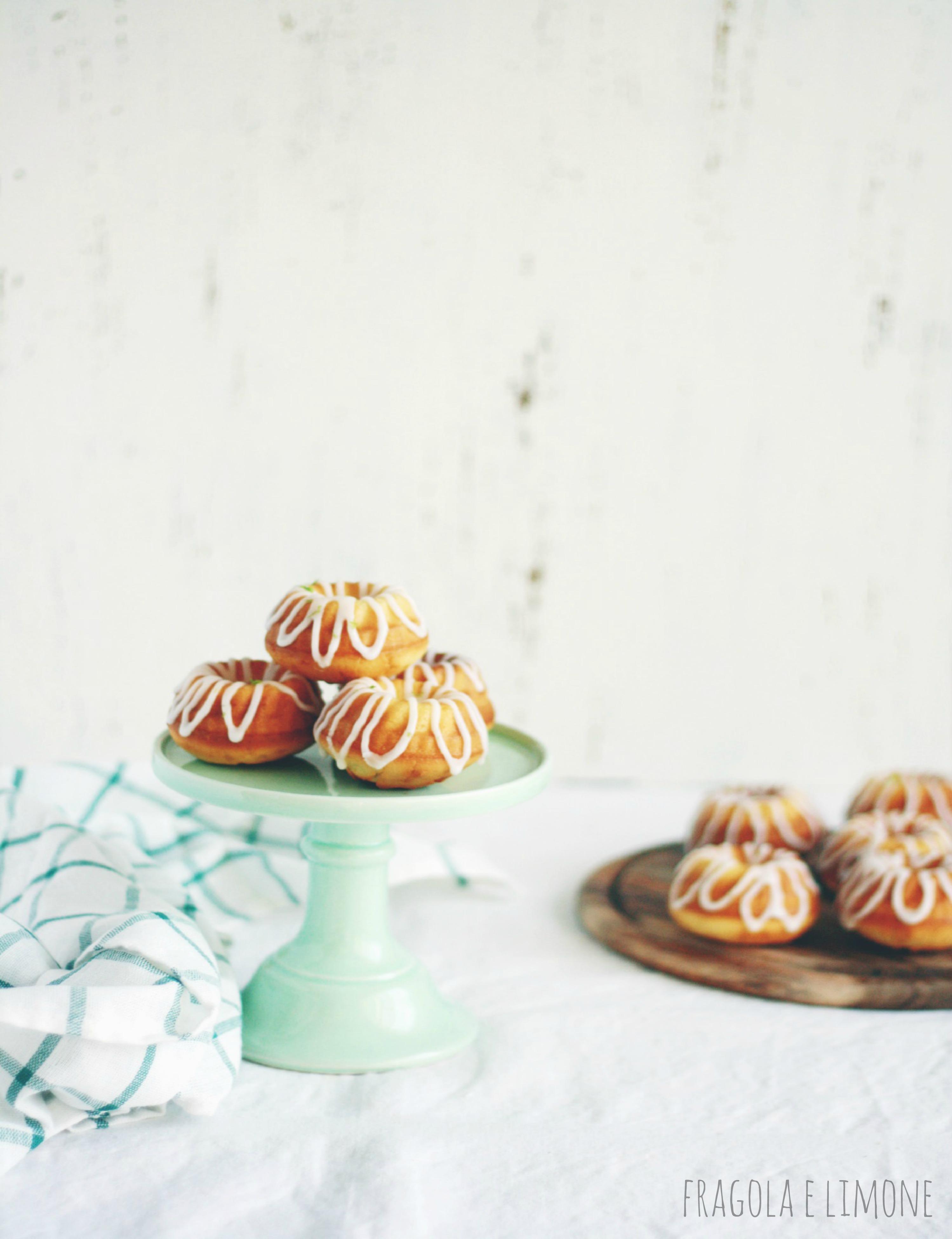 bundt cake al lime su alzatina