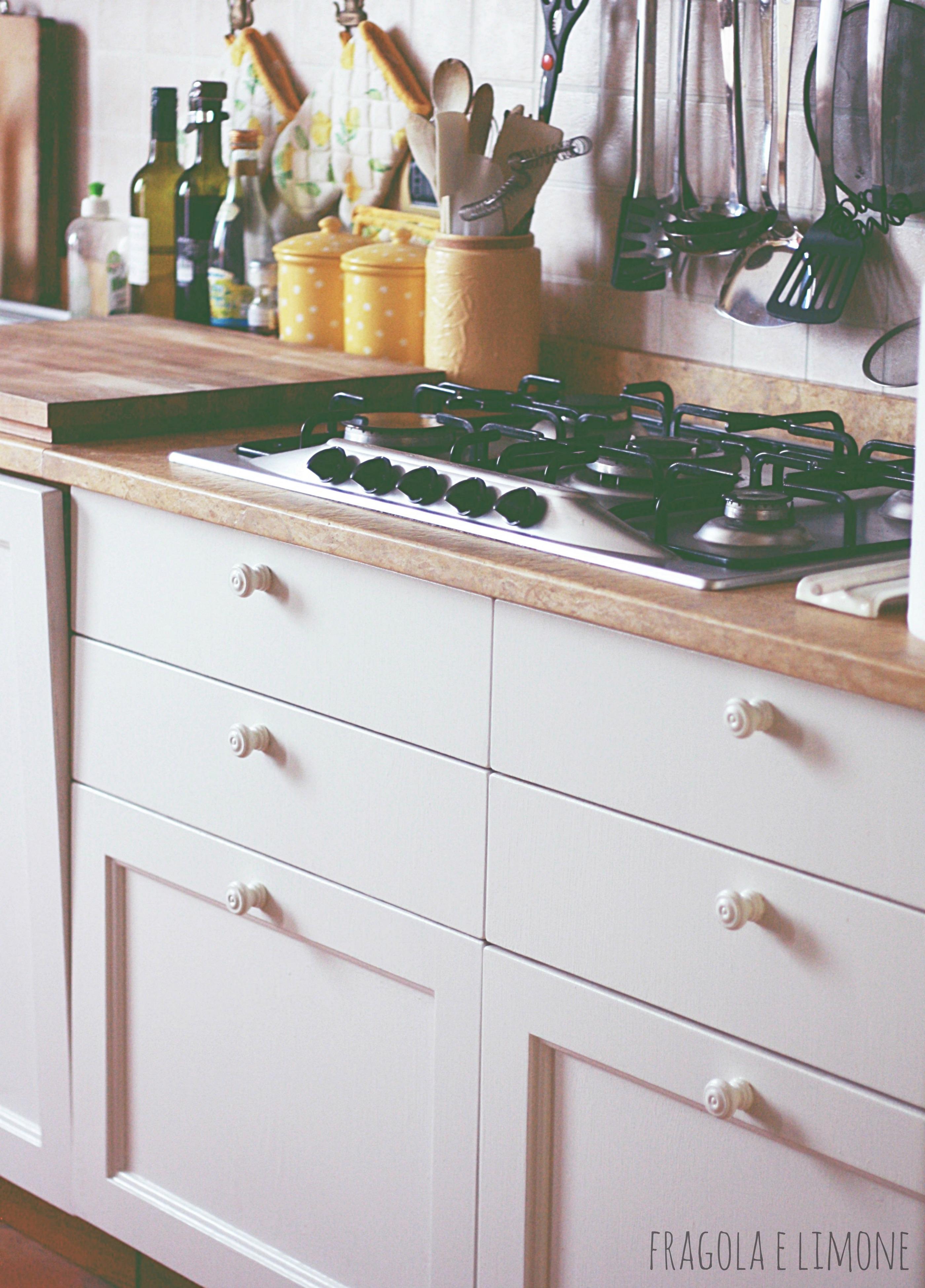 Verniciare Un Tavolo Di Legno nuova cucina con meno di 50 euro